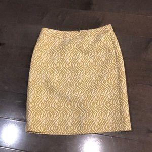 Banana Republic sz 4 Gold/cream skirt, so cute!
